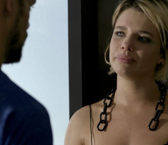 Juliano assume para Belisa que ainda ama Tóia (Foto: TV Globo)