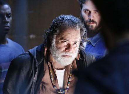 Zé Maria mata a sangue frio em 'A Regra do Jogo'