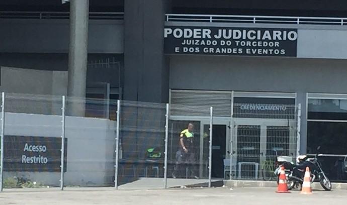 Maracanã seguranças (Foto: Cahê Mota / GloboEsporte.com)