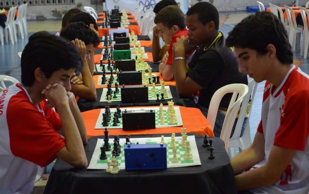 São 250 competidores no xadrez dos Jogos Escolares (Foto: Felipe Martins/GLOBOESPORTE.COM)