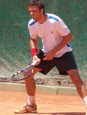 O tenista Vitor Pinheiro no torneio future de São José dos Campos (Foto: Danilo Sardinha/Globoesporte.com)
