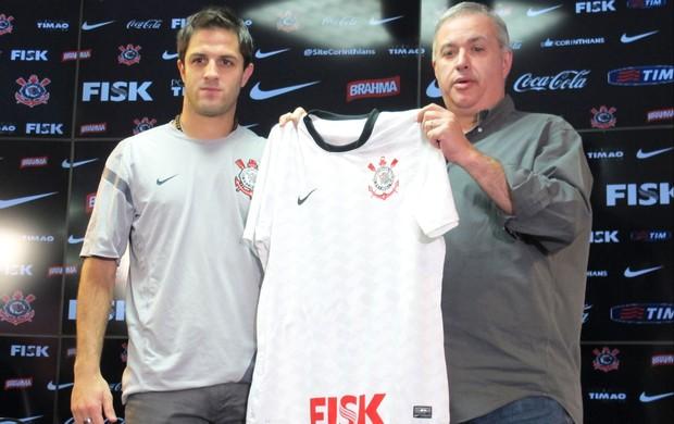 Apresentação Martinez ao Corinthians (Foto: Gustavo Serbonchini / Globoesporte.com)