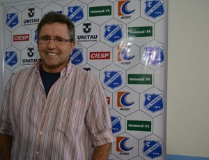 João Abelha técnico Taubaté (Foto: Filipe Rodrigues)