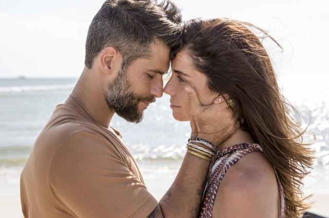 Mario (Bruno Gagliasso) e Alice (Giovanna Antonelli)  (Foto: TV Globo)
