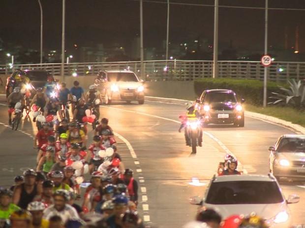 Ciclistas pediam por mais educação no trânsito (Foto: Reprodução/ TV Gazeta)