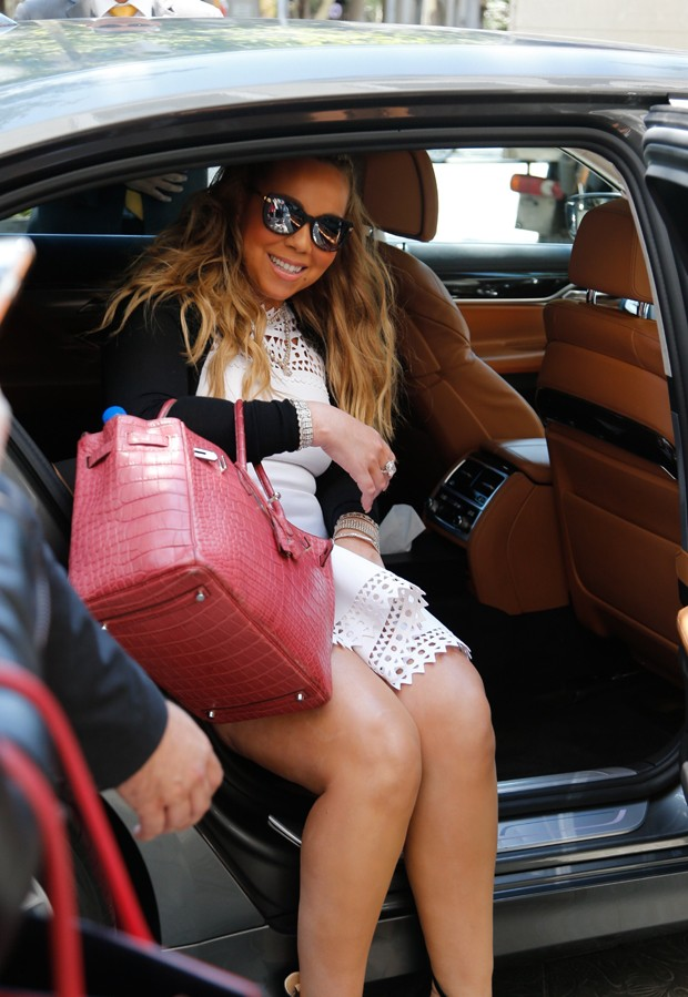 Mariah Carey com a it bag na Espanha (Foto: AKM Images)