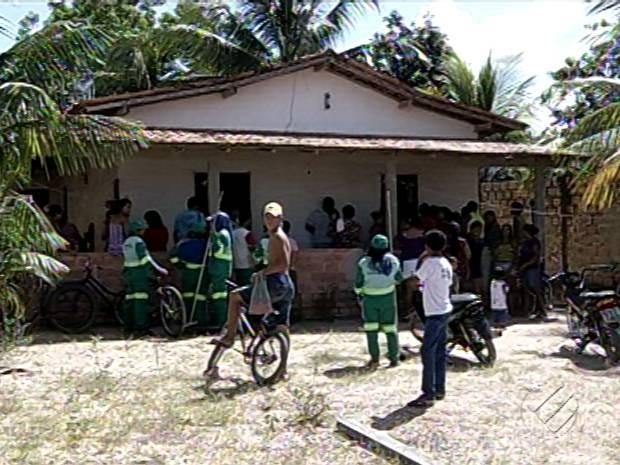 Enterro de Bárbara Albuquerque foi realizado em Nova Ipixuna do Pará. (Foto: Reprodução/TV Liberal)