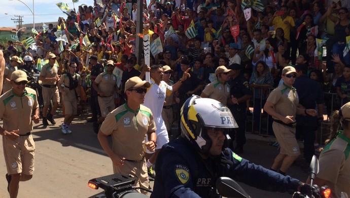 Tocha olímpica é levada em Aparecida de Goiânia, Goiás (Foto: Fernando Vasconcelos/ GloboEsporte.com)