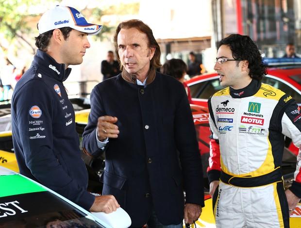 Bruno Senna, Emerson Fittipaldi e Fernando Rees conversam sobre o Mundial de Endurance antes das 6 Horas de SP (Foto: Luca Bassani / divulgação)