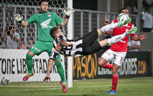 Neto Berola gol Atlético-MG x Santa Fé (Foto: Bruno Cantini / Flickr do Atlético-MG)