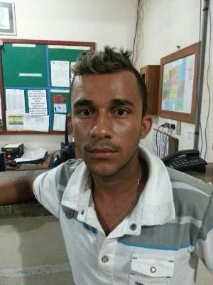 'Bajaro' já tinha passagem pela polícia e um mandado de prisão por outros crimes (Foto: Divulgação/ PM)