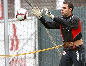 Renan goleiro, treino Internacional (Foto: Vipcomm)