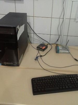 Entre os itens levados, estavam monitores de computadores Goiás Goiânia (Foto: Arquivo Pessoal)