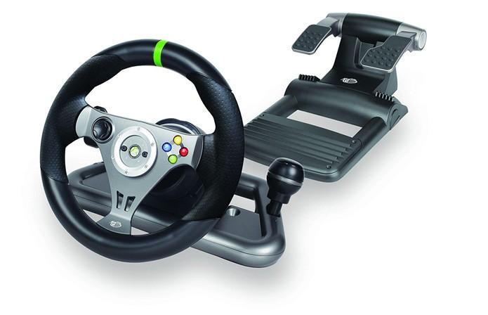 MadCatz oferece boa opção com sua linha de volantes sem fio. Há versão com ou sem force feedback (Foto: Divulgação)