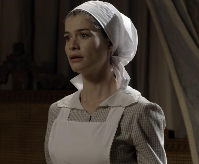 Lívia fica nervosa quando vê Vitória (Foto: TV Globo)