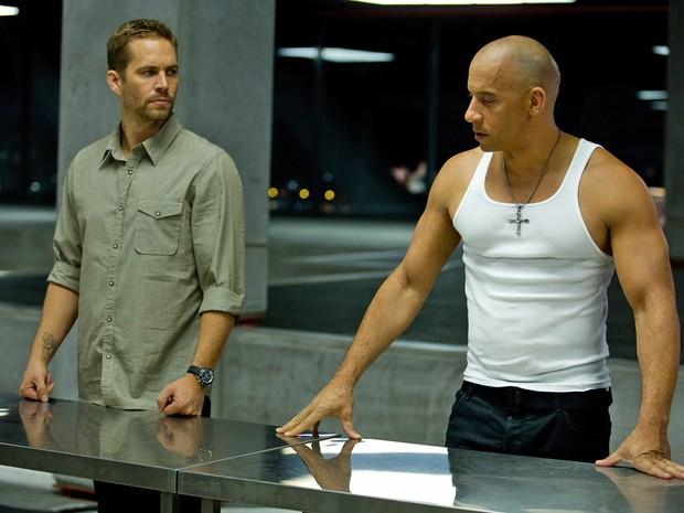 Paul Walker e Vin Diesel em 'Velozes e furiosos 6' (2013). (Foto: Divulgação)
