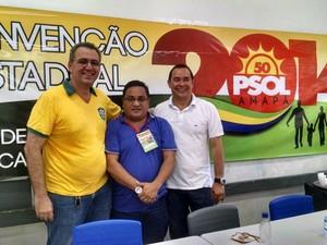 professor Charles Chelala, presidente do PSOL Djalma e Carlos Rinaldo após homologação para vice governador (Foto: Divulgação/PSOL)