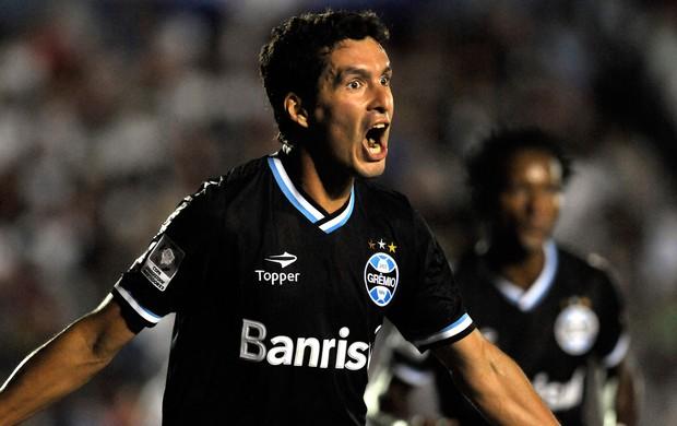 Riveros comemora, Nacional x Grêmio (Foto: AP)
