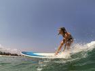 Angela Sousa em foto de surfe: 'Quer nada além de alguém que a trate bem'