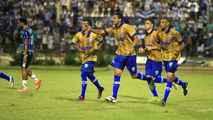 Jogadores do CSA comemoram gol contra o Porto-PE (Foto: Ailton Cruz / Gazeta de Alagoas)