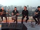 U2 faz show exclusivo no Fantástico e comenta corrupção no Brasil