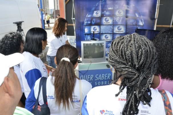 Stand para informações sobre o sinal digital (Foto: Eli Cruz)