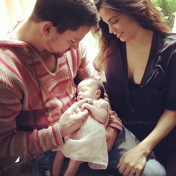 Channing Tatum e Jenna Dewan com sua filha (Foto: Facebook)