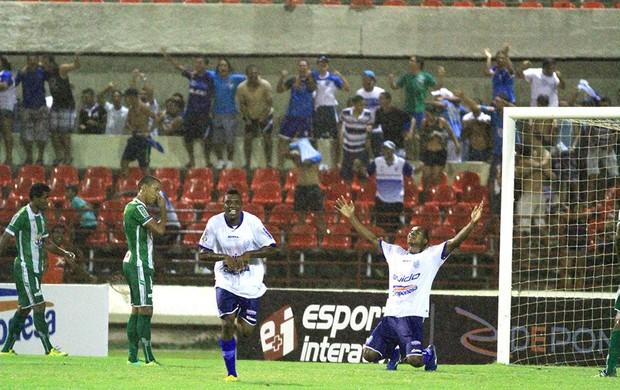 Clementino comemora o gol da vitória do CSA sobre o Conquista (Foto: Ailton Cruz/ Gazeta de Alagoas)