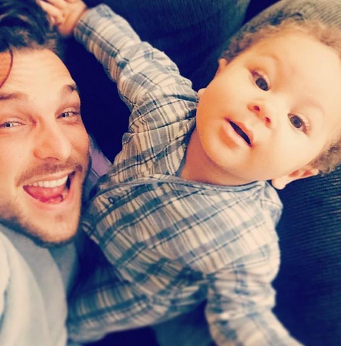 Igor Rickli faz graça com o filho (Foto: Arquivo Pessoal)