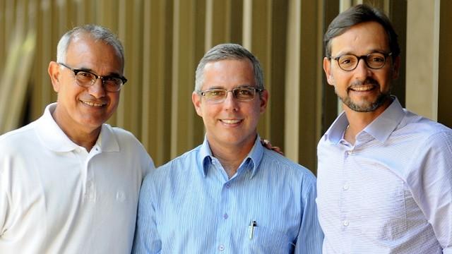 Adbo Chequer, André Hees e André Junqueira: mudanças  (Foto: Chico Guedes)