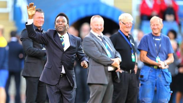 Pelé no amistoso da seleção brasileira contra a Suécia (Foto: Mowa Press)