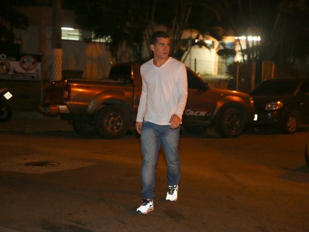 Thiago Martins em festa na Zona Oeste do Rio (Foto: Dilson Silva e Delson Silva/ Ag. News)