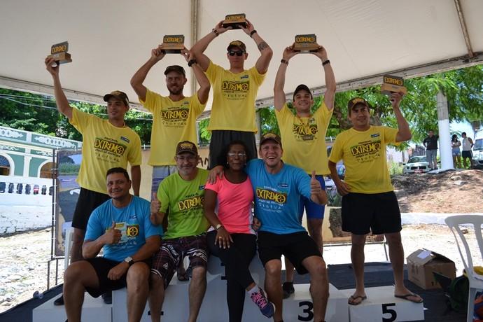 Campeões da canoagem categoria 4.50 sênior (Foto: Hélder Rafael)