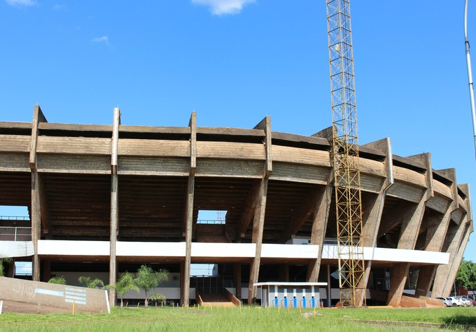 Estádio Morenão, em Campo Grande (Foto: Hélder Rafael)