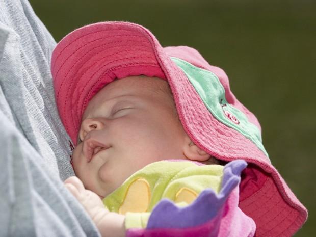 Cuidados com recm-nascidos no vero (Foto: Getty Images)