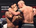 Pezão não se intimida e encara gigante Struve de perto na pesagem do UFC