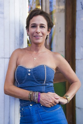 Andréa Beltrão interpreta a personagem Sueli no seriado Tapas & Beijos (Foto: Globo/Caiuá Franco)