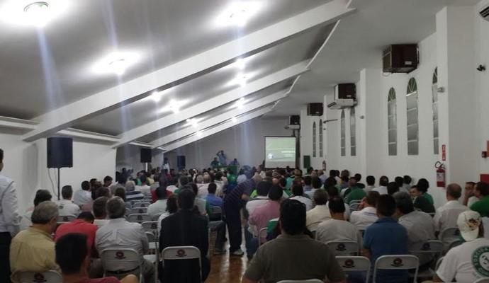 Reunião de sócios venda Brinco de Ouro Guarani (Foto: Marcel Kassab)