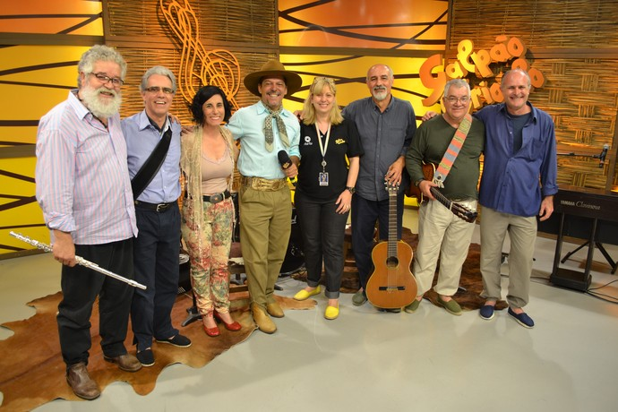 Tambo do Bando com convidados e equipe do Galpão Crioulo.  (Foto: Galpão Crioulo/RBS TV)