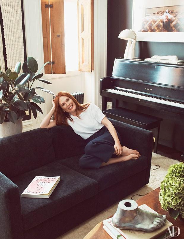 Julianne Moore em sua casa em Nova York (Foto: Reprodução Architectural Digest)