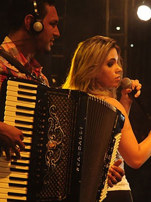 Show da banda Magníficos (Foto: Adriana Noya / G1)