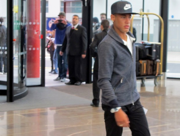 neymar brasil desembarque (Foto: Leandro Can&#244;nico)