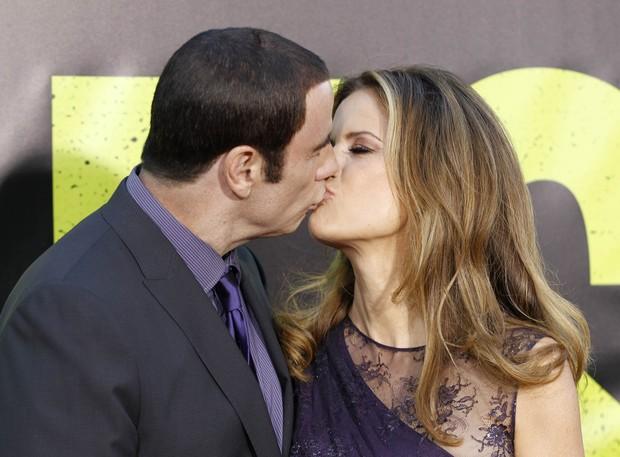 John Travolta e a mulher Kelly Preston na première do filme 'Savages' em Los Angeles, nos Estados Unidos (Foto: Reuters/ Agência)