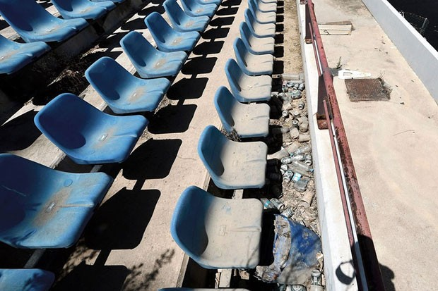 Construções olímpicas abandonadas (Foto: Milos Bicanski/ Divulgação)