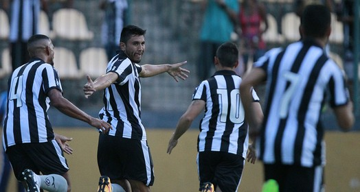 nova mordida (Vitor Silva/SSPress/Botafogo)