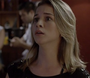 Jéssica percebe que fez besteira (Foto: TV Globo)
