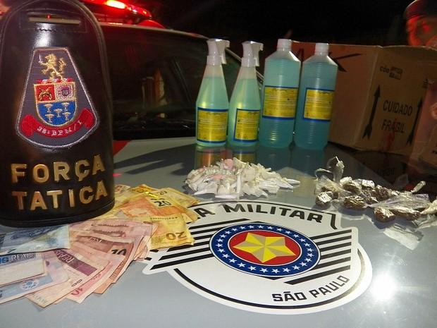 Homem estava com cocaína, 19 porções de maconha e R$ 511 em São Carlos (Foto: Valdir Penteado/Arquivo Pessoal)