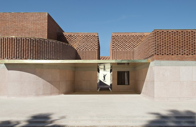 The Yves Saint Laurent Museum in Marrakesh was designed by Studio KO and features Moroccan terracotta brickwork as well as Moroccan stone (Foto: FONDATION PIERRE BERGÉ-YVES SAINT LAURENT)