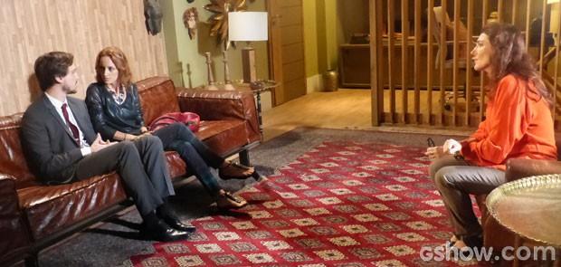 Marcelo e Pri fazem terapia de casal (Foto: Além do Horizonte / TV Globo)