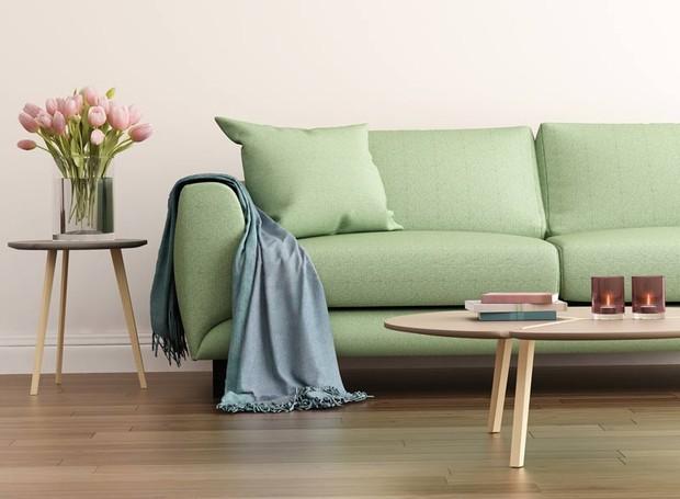 sala-mesa-de-centro-sofa-manta (Foto: Thinkstock)